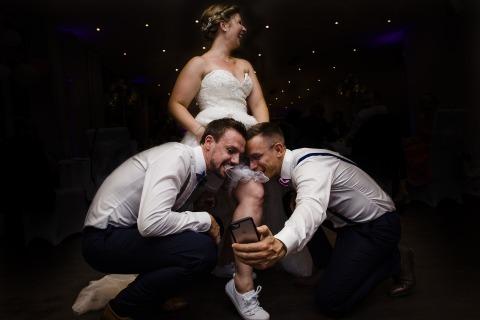 Rosa Engel, of Nordrhein-Westfalen, is a wedding photographer for -