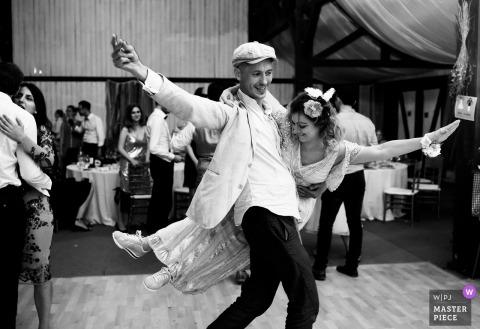 Roemenië Receptie Locatie Fotografie | bruid, bruidegom, dans