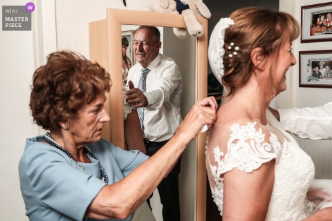 Uithoorn Wedding Reportage Photography - The father and mother of the bride at the preparation