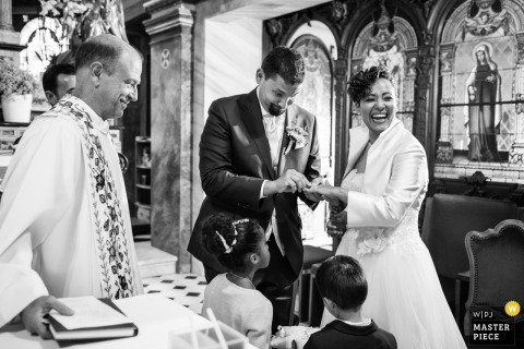 Santuario Madonna del sasso, Locarno (CH)	- Wedding photographer - Problem during ring exchange