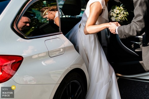 Duino, Trieste wedding photography — Moments, getting out of the car, bride and groom
