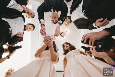 Fujian Hochzeitsfotograf | Kartenspiel auf Hochzeitsempfang für Brautparty