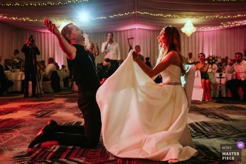 Photos du lieu de mariage de l'hôtel Marinela, Sofia, Bulgarie - Décollage de la jarretière