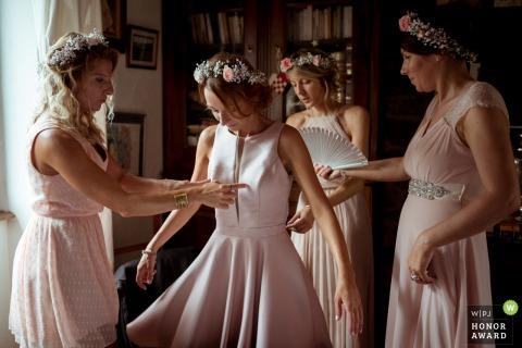 Turenne wedding photo: Bridesmaids are getting ready