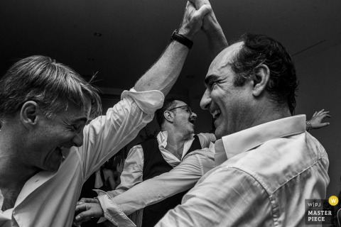 Château de Candie, Chambéry, France wedding photography – Guests have fun on the dancefloor