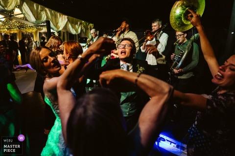 Einfamilienhaus, Rezeption, Chester, UK Hochzeitsfotos - Dancefloor Action