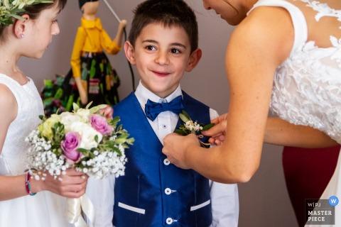 A casa della sposa - Catania - Photographie de jour de mariage avec enfants et fleurs avec la mariée