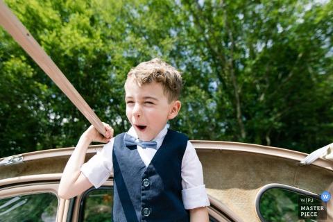 法國婚禮攝影-儀式之路-開心的孩子