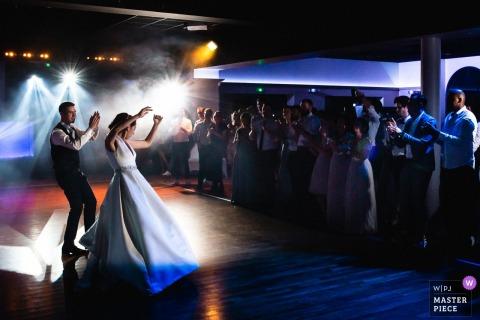 Domaine de Chatillon trouwlocatie fotografie - Eerste dans onder de lichten