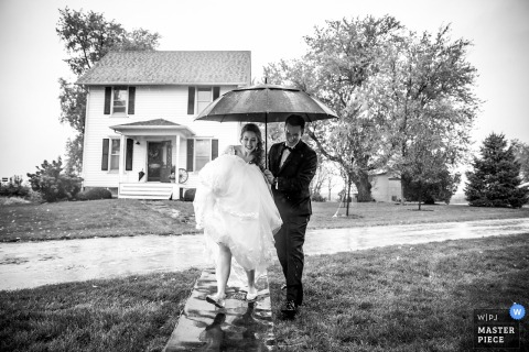 the maro farm	wedding photographer | bride and groom try to get in the house