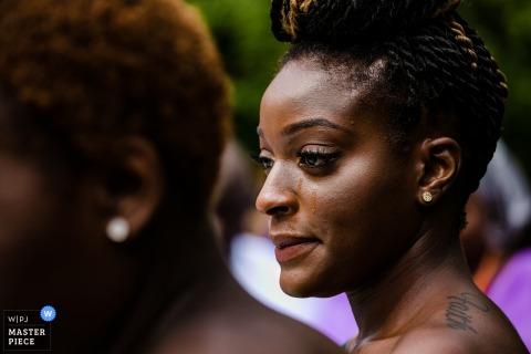 fotos de la ceremonia de la boda de una dama de honor llorando