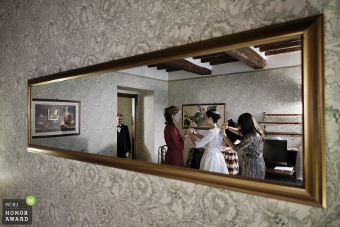 Relais Oroscopo, Sansepolcro - ITALY photo in the mirror of a bride getting ready