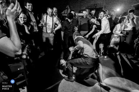 Haacht Hochzeitsfotograf: Gefährliche Tanzflächen