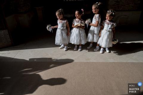 reggio calabria trouwfoto's - de bruid arriveert in de kerk