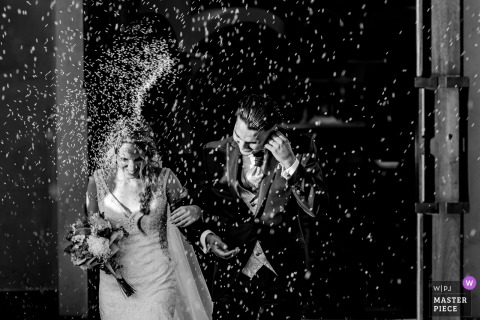 Iglesia de Las Rozas wedding photography showing Rice throwing