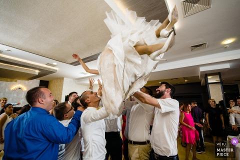 Fotos de local do casamento Hotel Hemus, Vratsa, Bulgária de uma noiva voadora
