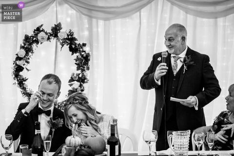 A fotografia da história do casamento de Pentre Mawr fez com que todos rissem