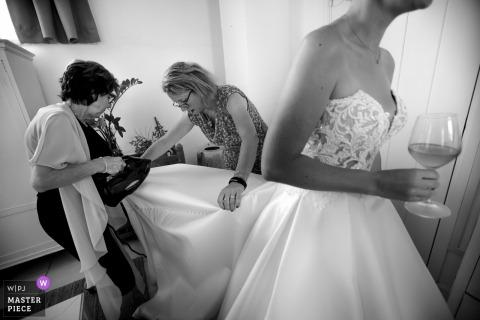 Tenuta Centoporte - foto de casamento em Otranto da noiva se preparando
