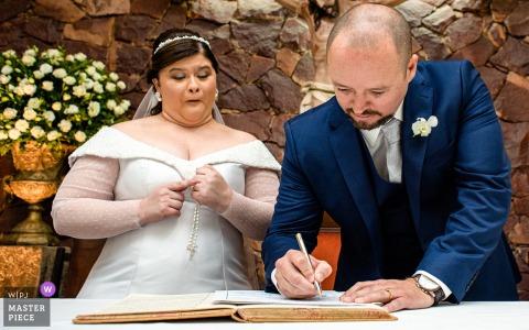 Cerimônia do Brasil assinatura do certificado foto | Uau!! Nós nos casamos!