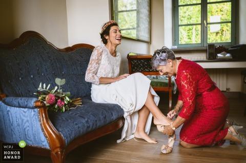 Piedmont Wedding Photography - Braut bereitet sich auf die Zeremonie vor