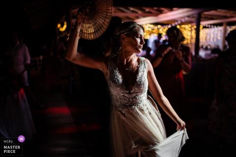 Zakynthos, Grécia Fotos do casamento de uma noiva dançando