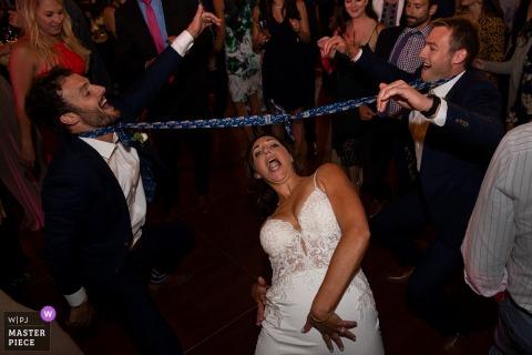 Fotos de recepção de casamento em Squaw Valley, CA do limbo da noiva