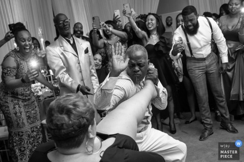 Maryland	wedding reception in Baltimore - Action photography from the dance floor: come here girl