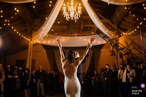 Victor, photographe de mariage en Idaho: Le père de la mariée danse avec la mariée