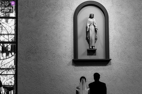 Califórnia - Fotografia da cerimônia do sul: um momento de silêncio no casamento para esta noiva e noivo
