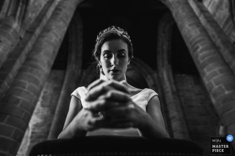 Église de Dinan, Bretagne, France Photographie: La mariée lors de la cérémonie