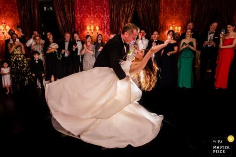 Ballyfin Demesne Hochzeitsreportage Foto des ersten Tanzes