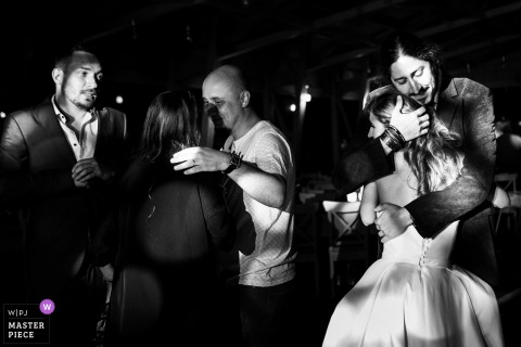 Bucharest wedding photography | Gradina Lahovari | Groom and bride at the end of the reception party
