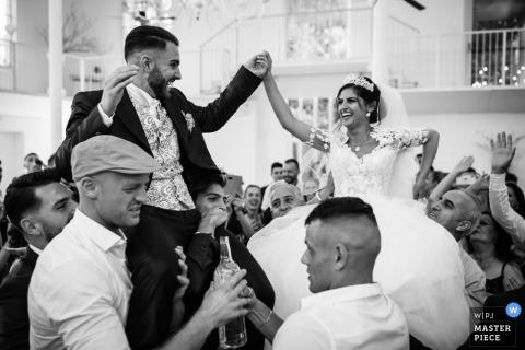 La Madonnina Cantello - Varese Hochzeitsbild: Braut und Bräutigam sind gerade vor Ort angekommen
