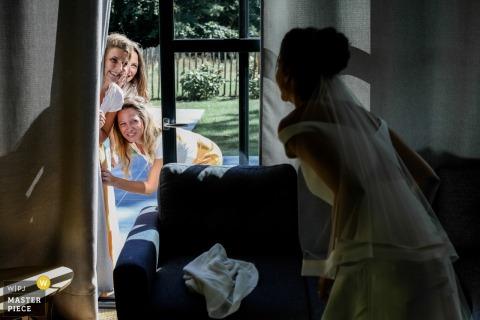 Image de mariage Île-de-France de la maison de la mariée | Nous voulons te voir soeur !!!!