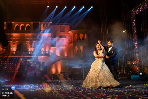 Première danse. Jaipur, photographe de mariage au Rajasthan: aimez ces expressions!