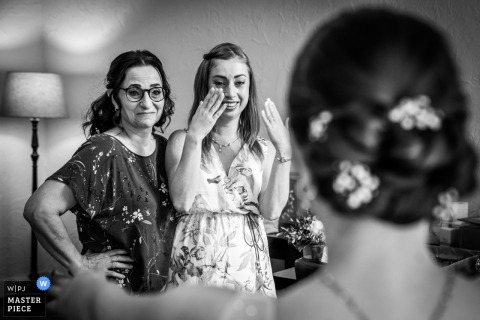 Ceremony location, Bovendonk in Hoeven | Wedding Photography | Mother and best friend become emotional after seeing the bride for the first time.