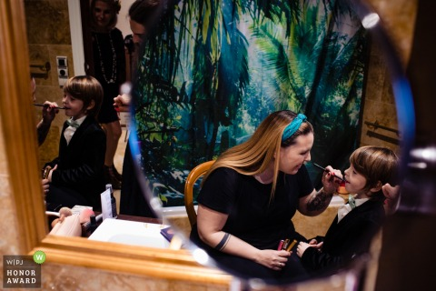 L'Eliana wedding venue photo of kids Getting ready for the ceremony