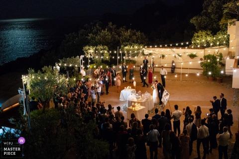 Maratea Hotel Villa del Mare Hochzeitsort Fotos   Braut und Bräutigam vor dem Schneiden des Kuchens
