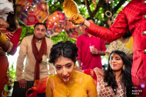 Tuscany Fotograf pokazujący indyjskie tradycje ślubne