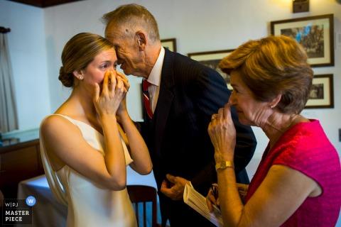 Ketubah podpisuje ceremonię narzeczonej z rodzicami | N. CA fotografia ślubna
