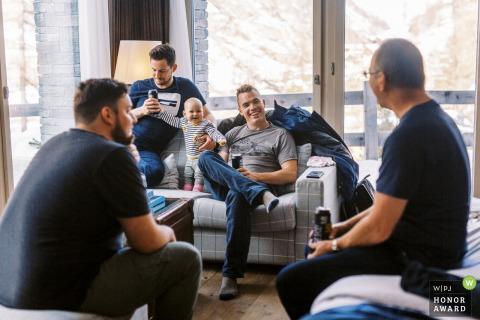 Zermatt Immer bereit Hochzeitsfotografie der Jungs rumhängen