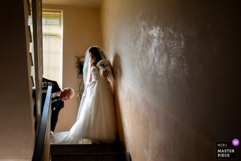 Sicily Wedding Photography | Bride is leaving her home for the ceremony