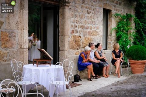 Fotografia de casamento do reflexo de toulon da noiva