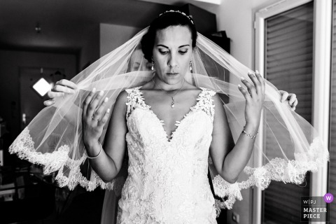 France Wedding Photography | Preparations for the bride, putting on the veil
