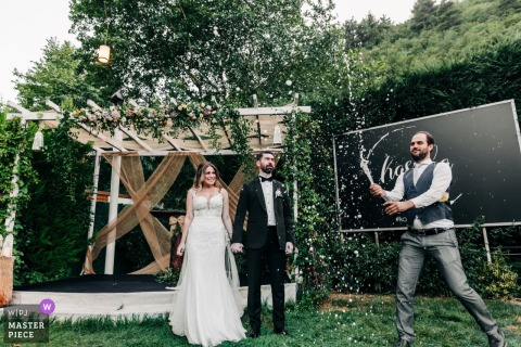 Outdoor garden wedding photo from Bursa-Kasaba of the toasting Splash