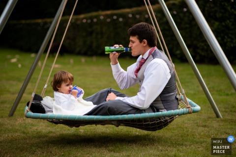 Drink Ontvangstbeeld van een buitenevenement in een privétuin in Dorset