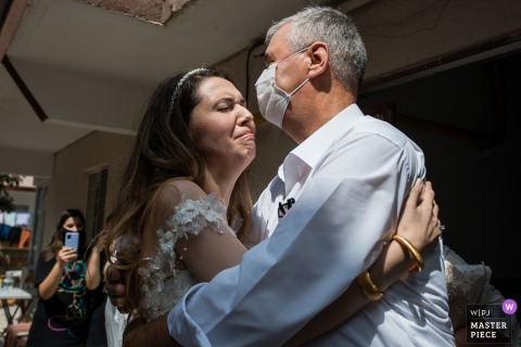 Luleburgaz Crying bride hugs her father while leaving home