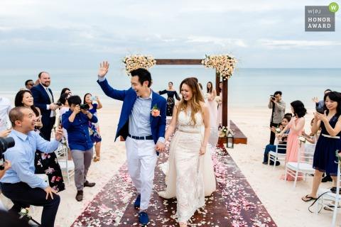 Image de cérémonie de mariage de plage de Ho Chi Minh-Ville d'un heureux événement de mariage sur le sable