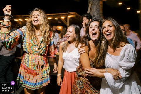 Saint Tropez, image de réception de mariage Côte d'Azur de l'heure de la fête avec la mariée