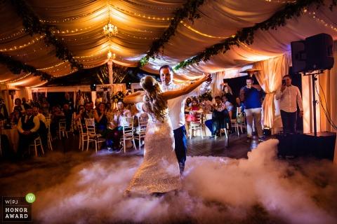 Villa Ekaterina, Vakarel reception picture of a couple dancing their first wedding dance